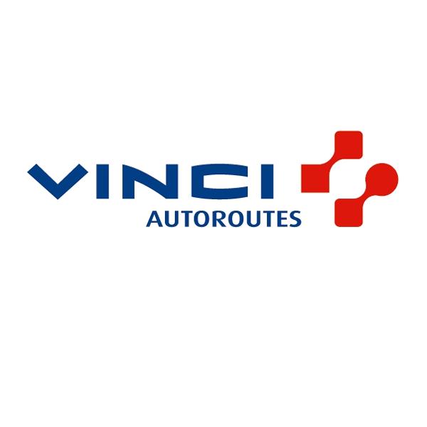 Vinci Autoroutes est spécialisé dans la concession et l'exploitation d'infrastructures autoroutières (près de 4 500 kms d'autoroutes en France).